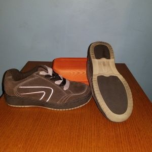 Pink and brown Elements size 6 sneakers